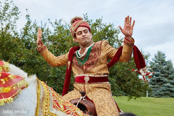 baraat,indian groom,horse baraat