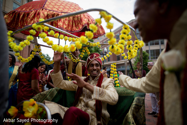 indian wedding ceremony,milni ceremony,indian groom