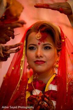 indian wedding ceremony,indian bride fashion,indian bridal jewelry,sindhoor wedding ritual