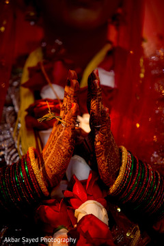 indian wedding ceremony,mehndi art,bridal jewelry