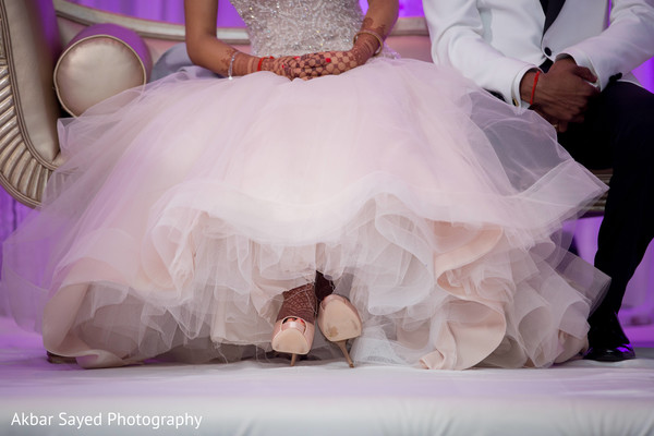 indian wedding reception,indian bridal shoes