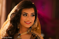 pakistani bride,pakistani wedding photography,portrait