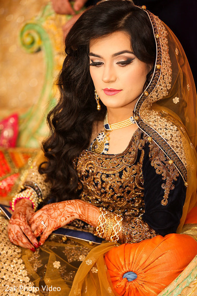 pakistani bride,pakistani wedding photography,mehndi