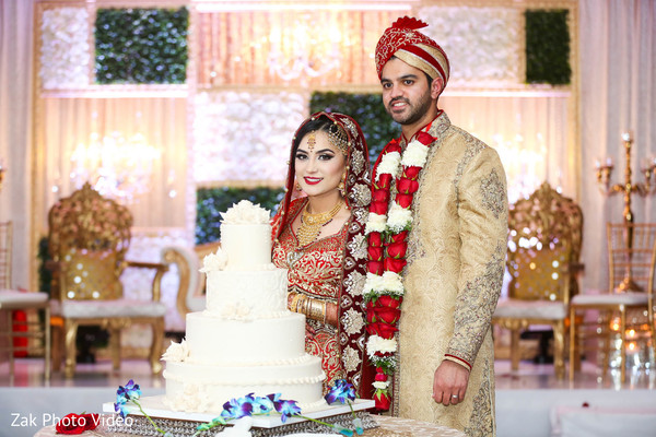 pakistani wedding photography,nikaah,pakistani bride and groom,wedding cake