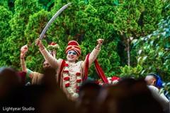 indian wedding photography,baraat,indian groom