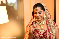 indian bride fashion,indian bride getting ready,bridal jewelry