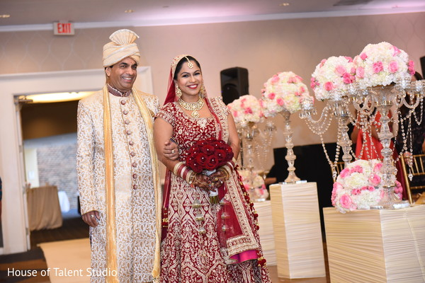 indian wedding ceremony,indian bride fashion,indian bridal bouquet