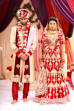 indian wedding ceremony,indian bride and groom,ceremony fashion