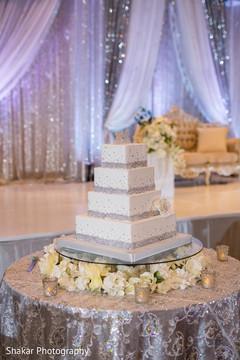 indian wedding reception,indian wedding cake topper,indian wedding cake,indian wedding cake design