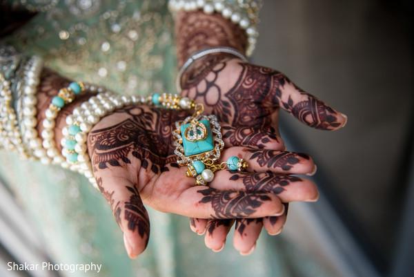 indian bride fashion,bridal jewelry,indian bridal mehndi