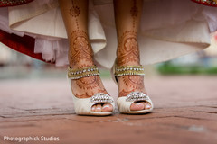 indian bride shoes,bridal shoes,bridal jewelry,mehndi art