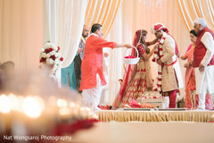 indian wedding ceremony,indian bride and groom,jai mala ceremony