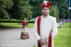 first look photography,indian bride fashion,indian bridal bouquet,indian groom