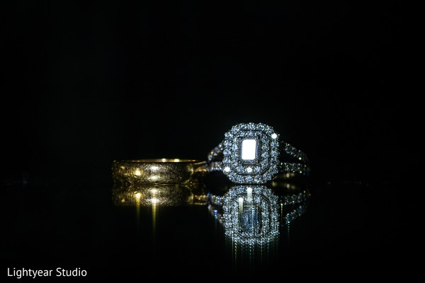 Wedding rings photography.