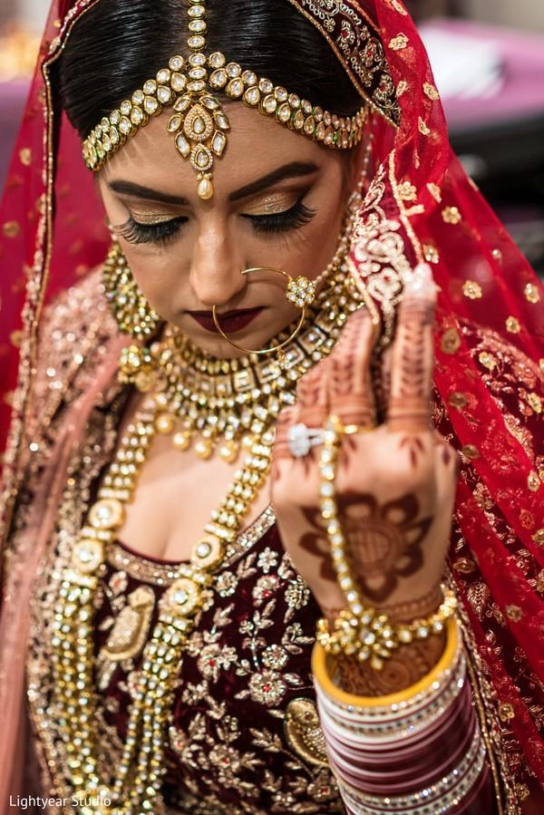 Mesmerizing Indian bride jewelry.