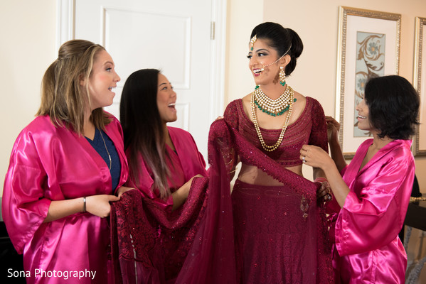 indian bride getting ready,bridal jewelry,indian bridesmaids