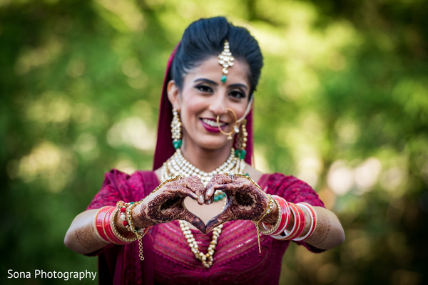 outdoor photography,indian bride fashion,bridal jewelry,mehndi art