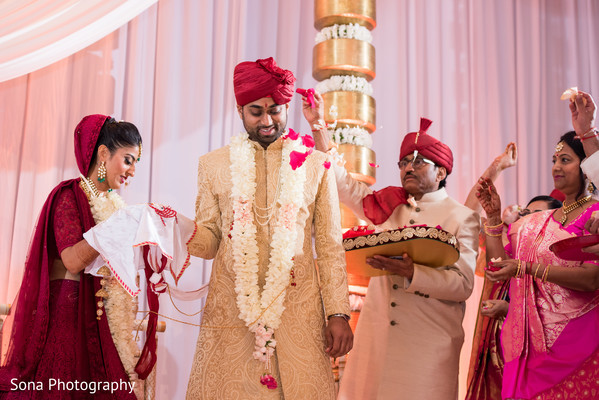 indian wedding ceremony,indian bride and groom,indian wedding ceremony photography