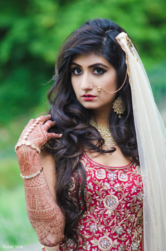 indian bride,hair and makeup,indian bridal fashion