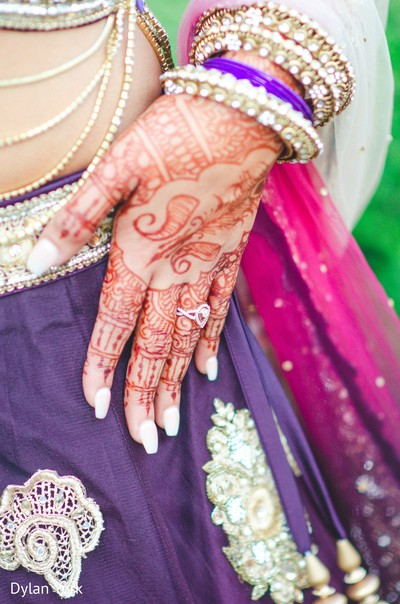 indian bride,bridal mending,indian wedding photography