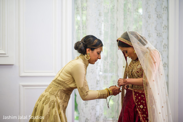 Indian bride lehenga draping and styling.