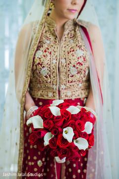 bridal bouquet,indian bride,bridal fashion