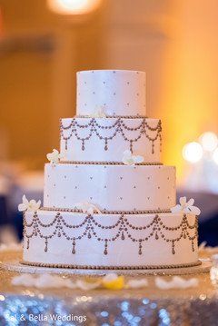 indian wedding cake,mehndi cake,tier cake