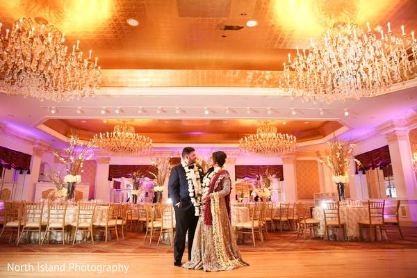 Splendid Indian newlyweds photo shoot.