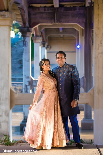 indian bride and groom,indian groom fashion,indian bride fashion,outdoor photography