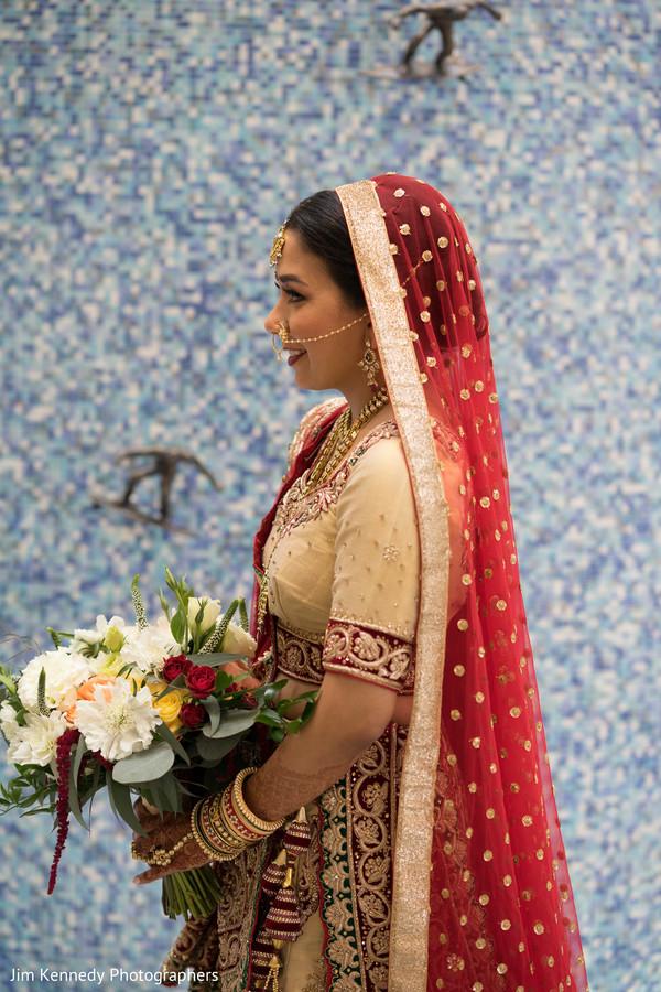 indian bride,bridal bouquet,lengha