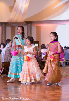 sari,flower girls,indian flower girls