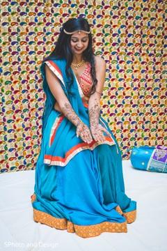 mehndi,indian bride,hand mehndi,henna,pre wedding fashion