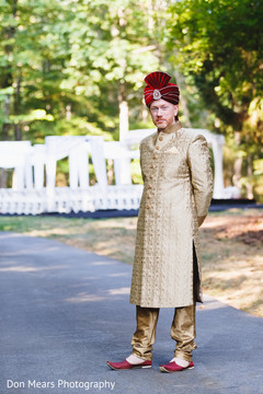 indian groom fashion,sherwani,golden sherwani