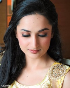 indian bride,hair and makeup,pre-wedding fashion