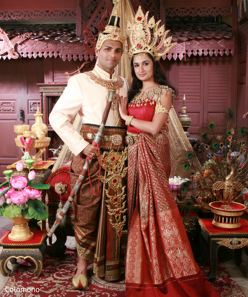 72fd9887b Bride and groom in traditional Thailand wedding outfits. | Photo 129470