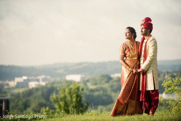 india bride and groom,ceremony fashion,indian wedding photography