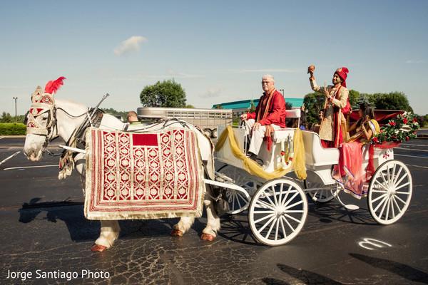 india wedding procession,baraat,carriage,indian groom