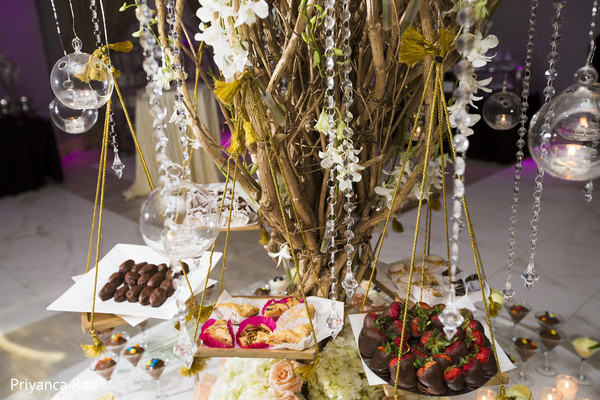 cake and treats,indian wedding reception treats,indian wedding reception