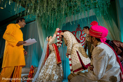 indian wedding ceremony,indian bride and groom,jaimala