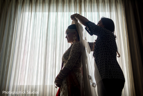 indian bride,dupatta,getting ready