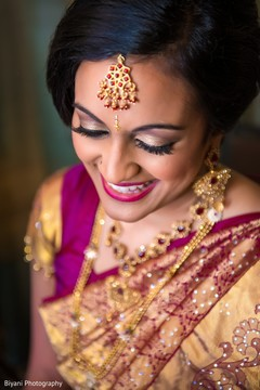 Graceful Indian bride photo.