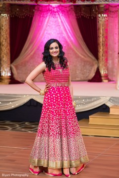 Amazing Indian bride wedding reception look.