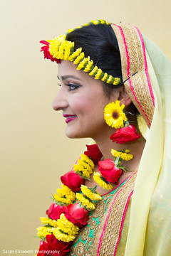 indian bride fashion,indian bride flower jewelry
