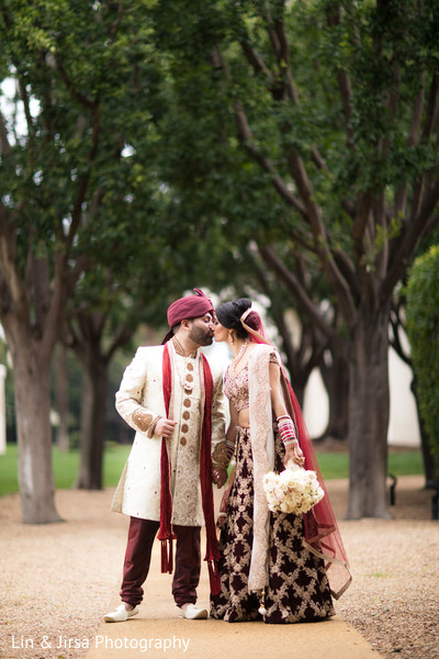 outdoor wedding photography,indian wedding fashion