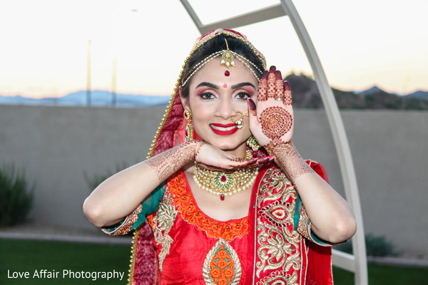 indian wedding photography,indian bride,indian bridal fashion,bridal mehndi