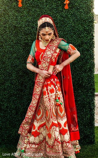 indian wedding photography,indian bride,bridal lehenga