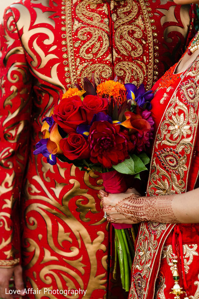 indian wedding photography,indian bride and groom,bridal bouquet