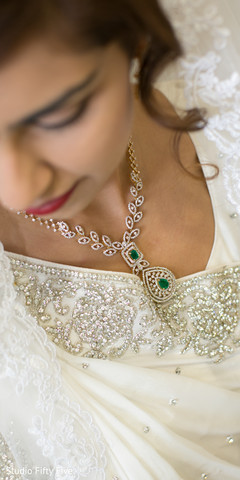 parsi bride,bridal jewelry,indian wedding photography