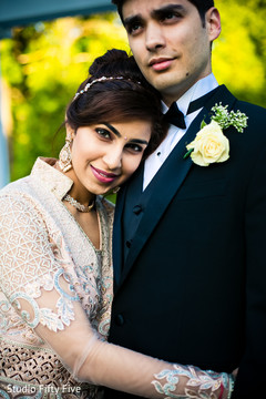 indian bride and groom,indian wedding reception fashion,indian wedding photography