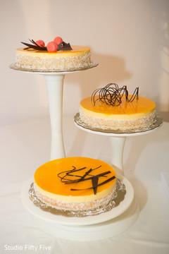 indian wedding reception,indian wedding cake